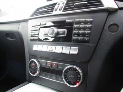 運転席、助手席ゾーン別で温度調整可能。