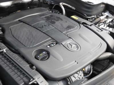 エンジンは3.5L直噴V6エンジン 306馬力を発生(カタログ値)
