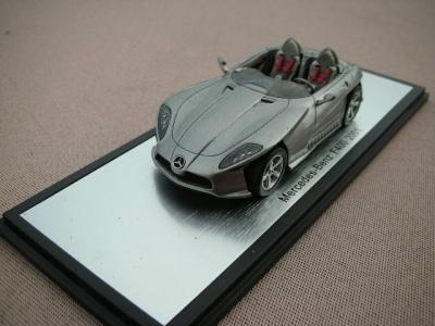 1/43メルセデスベンツ本国純正ミニカー メーカー特注品 F400 2001y