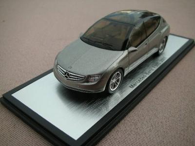 1/43メルセデスベンツ本国純正ミニカー メーカー特注品 F500 2003y
