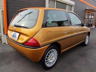 イタリアならではの、デザインへの限りない追求が生み出した特別な個性をもったお車です!!