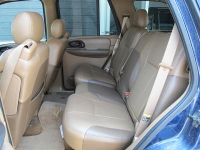 使用感の無い綺麗でゆったり座れるリアシートです!!