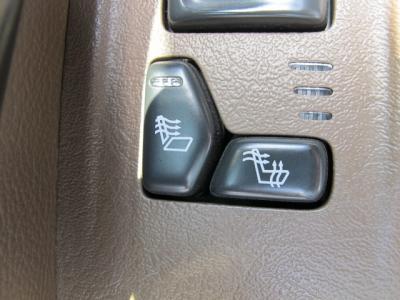 シートヒーター装備で快適なドライブが楽しめます!!
