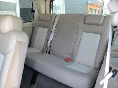 あると便利な電動格納サードシート装備してます!!