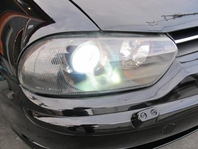 明るくてお洒落なキセノンヘッドライト装備しています!!