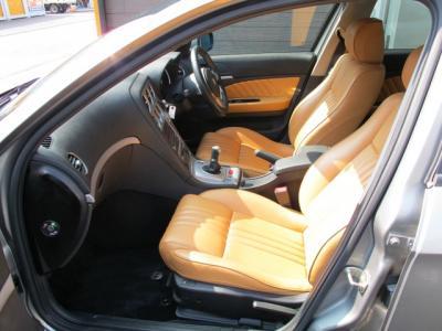 内外装とも中古車両としてはほぼ満点に近い4.5点をいただいております。