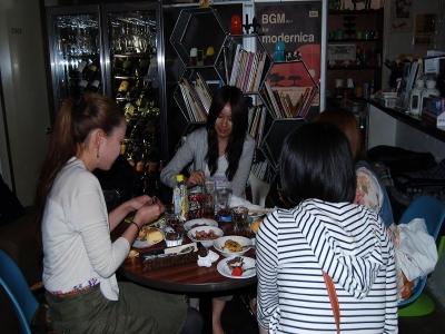 お誕生日祝い07 夜になっても櫻井食べます