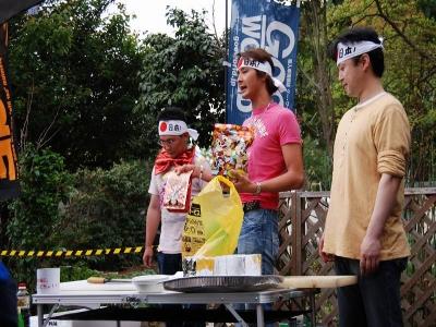 ☆★ショータイム★☆01 なんと、弊社STAFFの黒井がお魚の解体ショーを披露! 美味しいお刺身を召し上がって頂きました