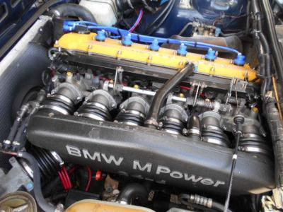 この3.5L直列6気筒DOHC24バルブエンジンは最大出力260ps/6500rpm、最大トルク33.6kg・m/4500rpmを発揮。Mオリジンの心臓の鼓動を是非聞いてみて下さい!!
