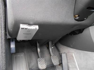高速道路の必需品ETCも、もちろん装備されているのであとは走り出すだけですね!! ハンドル左下にレイアウトされているので運転の邪魔になるような事もなく手も届きやすいですよ!