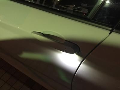 超便利なコンフォートアクセスと夜間の乗り降りに嬉しいドアハンドル照明付きで、暗闇でも明るくあなたをエスコートしてくれますよ!!