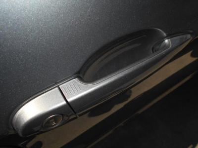 タッチ操作でドアロックの開閉が可能なコンフォートアクセスはとても便利!!