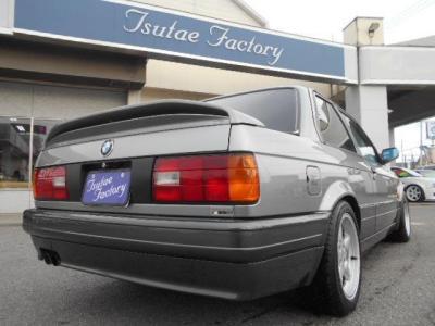 BMW伝統の丸目4灯フロントマスクは、古き良き昭和の時代を駆け抜けたBMWの証です!! ☆キャンペーン情報掲載中 http://tsutae-factory.com/