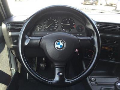 手にしっくり馴染むMテクハンドルに目立つ擦れも無く、Mテクハンドルがドライバーの意思をしっかり伝達してくれることでしょう!!