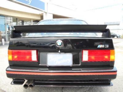 ホモロゲーション獲得のため世界限定601台が生産されたうちの1台! ブログ紹介中 http://tsutae-factory.com/m3/e30-m3-sports-evolution-vol1