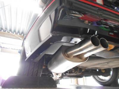 仕上げが綺麗な社外ステンレスマフラーを装着!! 気になるエギゾーストノートはブログで紹介中!! http://tsutae-factory.com/m3/e30-m3-sports-evolution3