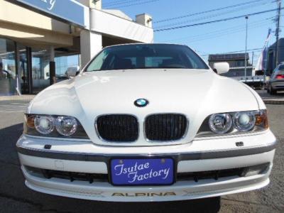 希少&低走行!!アルピンホワイト3のE39型ALPINA B10 3.2 5MTです。☆各種キャンペーン&ブログ情報配信中!! http://tsutae-factory.com