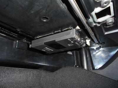 高速道路の必需品ETCも、もちろん装備。グローブボックス内上部に綺麗にインストールされ、防犯対策もバッチリですね。