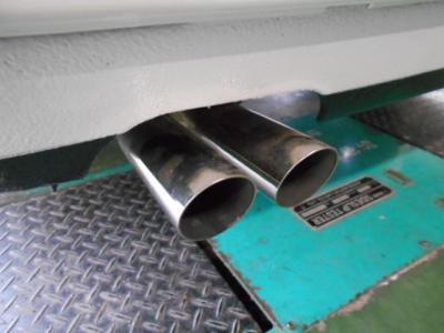 排気系にはM3用の社外ステンレスマフラーが装着され、ALPINA B6の本物エンジンの官能的なエギゾーストノートを奏でてくれます。