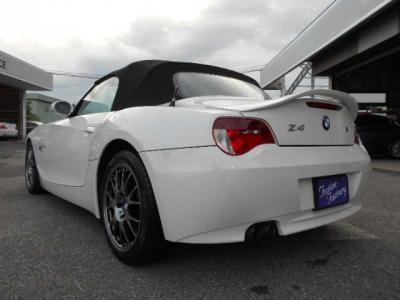 先代Z3からミディアムクラスの本格的スポーツカーとなったBMW Z4なら高速クルージングでのロングドライブも快適。★全国納車承ります。 http://tsutae-factory.com