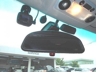 もしもの時にも安心、防犯にも役立つドライブレコーダーも装備されてますよ!!