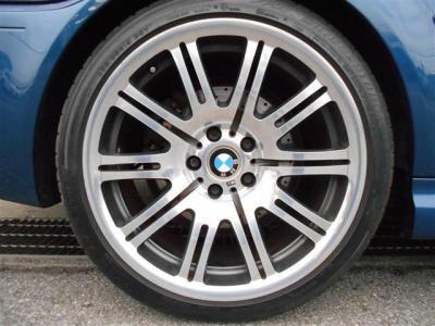 BMW純正オプションの19インチアルミホイールが装着されています!