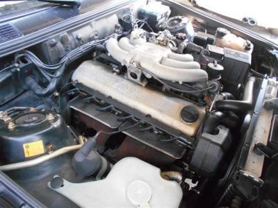 搭載される2.5L水冷直列6気筒SOHCエンジンは最大出力170ps/5800rpm、最大トルク22.6kg・m/4300rpmを発揮。レスポンスよく回るBMWのシルキーシックスの原点を堪能ください!!