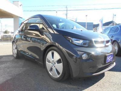 ソリッドカラーのアラバニ・グレーはマッドな印象。BMW i社が証明するゼロ・エミッションの近未来モビリティを是非味わってください。★保証についてはこちらをご覧ください「http://wp.me/P8hPUi-Tq」