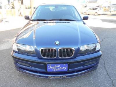 アルピナブルー&ゴールドデコラインのアルピナB3 3.3です。★ご購入後のメンテナンスも元BMW正規ディーラーメカニック多数在籍の「つたえファクトリーに」お任せ下さい!「http://tsutae-factory.com」