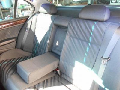 十分な居住空間を確保した後部座席に、ご家族やお友達をのせてドライブをお楽しみください。 きっと後ろに座られた方も乗り心地が良いと感じて頂けるはずです。