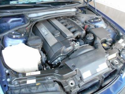 ALPINAチューンの3.3L直列6気筒DOHC24バルブエンジン、285ps/34.2kg・m(カタログ値)。様々なドライブシーンでアルピナレシピの走りをご堪能下さい!