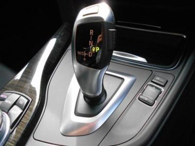 新開発のステップトロニック機能付き8ATにはパフォーマンスモードとして「ECO PRO」モードが加わり、総合的に燃料消費量を制御し低燃費に貢献してくれます。