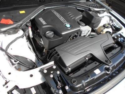 ダウンサイジングターボとなる2.0L直列4気筒DOHCターボエンジンは184ps/27.5kg・mを発揮。JC08モード燃費は16.6km/リットル!!