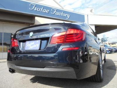 迫力のリアビューに高級感あるLEDコンビネーションテール。★ご購入後のメンテナンスも元BMW正規ディーラーメカニック多数在籍の「つたえファクトリーに」お任せ下さい!「http://tsutae-factory.com」