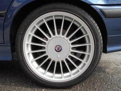 17インチALPINA Classic、フロント235/40R17、リア255/40R17のタイヤは残り溝バッチリ残ってますよ!!