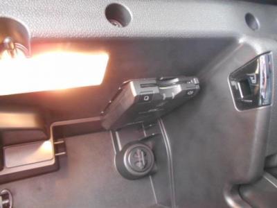 ETCもグローブボックス内に装着され、高速でも楽々料金所を通過できます!