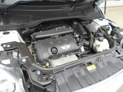 BMWとフランスのPSAグループとの共同開発のN16B16A型エンジンの1.6L直列4気筒DOHC1.6Lエンジンは最大出力122ps/6000rpm、最大トルク16.3kg・m/4250rpmを発揮(カタログ値)!!