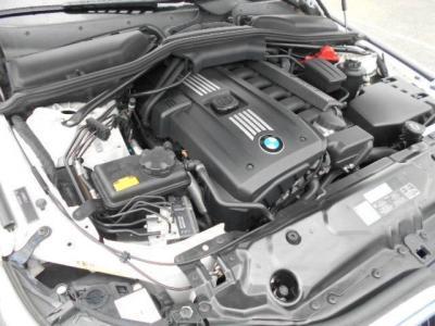 3.0L直列6気筒DOHCエンジンは、十分な程のフィーリングを約束してくれます 最大出力272ps(200kW)/6650rpm、最大トルク30.6kg・m(315N・m)/2750rpm(カタログ値)を発揮