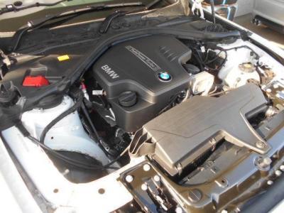 小排気量ターボとなる2.0L直列4気筒DOHCターボエンジンは184ps/27.5kg・mを発揮。JC08モード燃費は16.6km/リットル!!