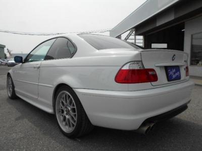 Mスポーツエアロのボリュームあるリアビューに視認性の高いLEDテールが古さを感じさせません!! ☆ご購入後のメンテナンスも元BMW正規ディーラーメカニック多数在籍の「つたえファクトリーに」お任せ