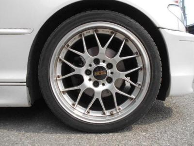 アルミ鍛造 2ピースホイールのBBS RS-GTが装着されています!タイヤはハンコックのVENTUS V12が履かれていて、溝も5分ほど残っているのでまだまだ走れそうです!