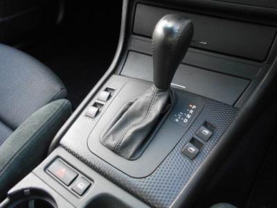 マニュアルモードのでシフト切り替えが行なえるスイッチトロニック機能付き5速ATなので、ドライビングシーンに合わせてスポーツ走行も満喫できます!!