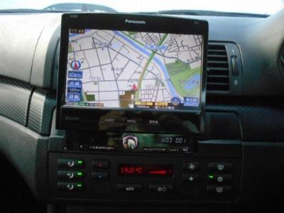 1DINタイプナビPanasonic製ストラーダ15年地図データが装着されています!CD/DVD再生機能に加えミュージックサーバー機能、BlueThooth機能も搭載されています!!