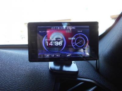 ついついスピードを出し過ぎてしまうかも知れません。レーダー探知機が装備されていますのでスピードの出しすぎに注意下さいね!!