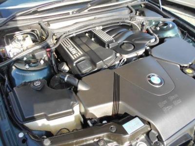 搭載される2.0L直列4気筒DOHC16バルブエンジンは、143ps/20.4kg・mを発揮。よく回るエンジンをAT5速でドライビングするのは爽快そのものです!!