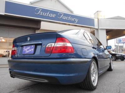 Mスポーツツーリングのボリューム感ある迫力のリアビュー。 ☆ご購入後のメンテナンスも元BMW正規ディーラーメカニック多数在籍の「つたえファクトリーに」お任せ下さい!! http://tsutae-factory.com