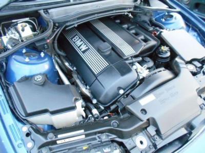 搭載される2.5L直列6気筒DOHCエンジンは最大出力192ps、最大トルク25.0kg・mを発揮。ストーレートシックスのトルク間のある加速を満喫できますよ!!