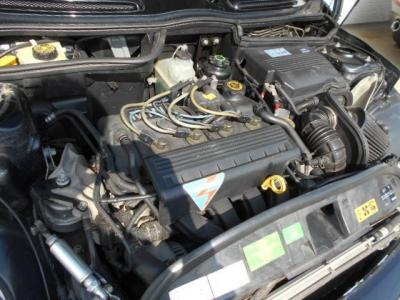 BMWとクライスラーとの共同開発の1.6L直列4気筒SOHC16バルブエンジンは最大出力116ps/6000rpm、最大トルク15.2kg・m/4500rpmを発揮!