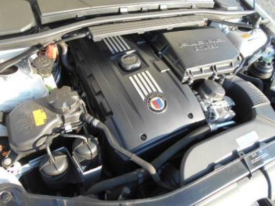 ビターボに搭載された3.0L直列6気筒DOHCツインターボエンジンは、410ps/55.1kg・mを発揮し、カタログスペックだけでは分からないアルピナレシピの上質な走りを是非ご堪能下さい!!
