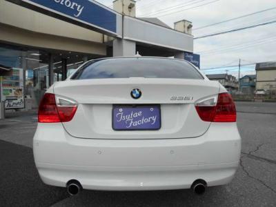 ウッドパネルとブラックレザーシートの高級感ある室内は、ゆったりとドライブを楽しめる空間と言えるでしょう!!ご購入後のアフターサービスとして多数の特典もご用意してます!特典詳細「http://wp.me/P8h